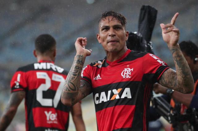 Em grande fase, Guerrero iguala melhor marca da carreira no Flamengo Flamengo / Divulgação/Divulgação