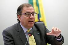 Governo faz política industrial às avessas, dizpresidente executivo da Abimaq Antonio Araújo/Câmara dos Deputados