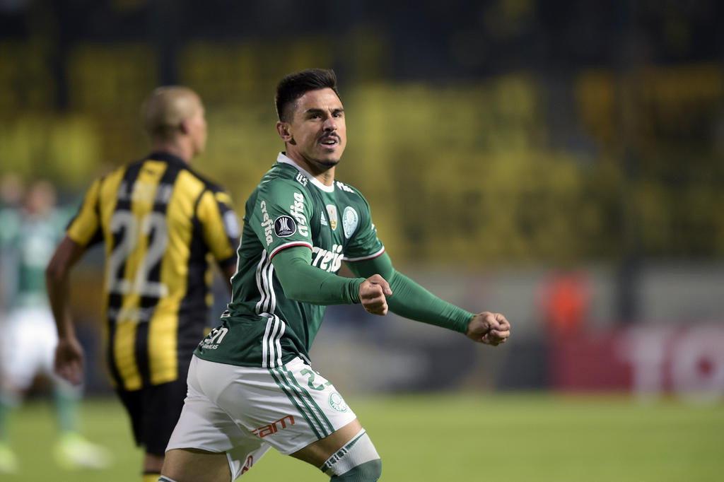 Em jogo marcado por pancadaria, Palmeiras vence o Peñarol de viradana Libertadores