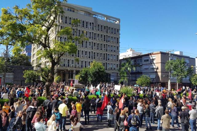 Magistrados e profissionais ligados à Justiça realizam ato contra reformas trabalhista e da Previdência Omar Freitas/Agencia RBS