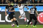 Daniel Alves marca, mas Juventus fica no empate com a Atalanta MIGUEL MEDINA/AFP