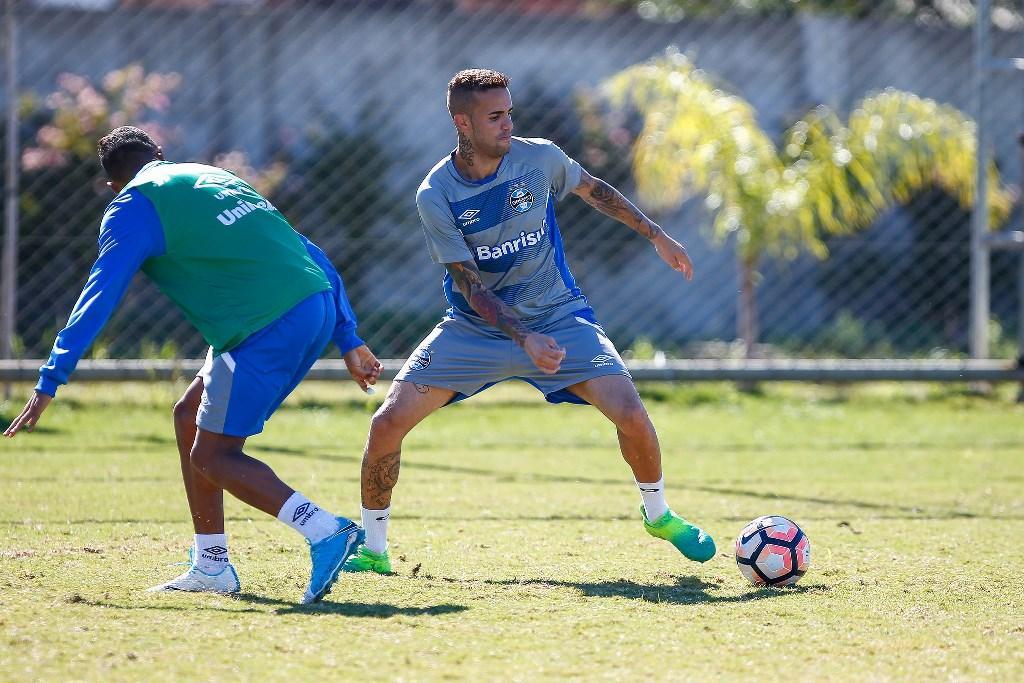 Fernandinho e Arthur são os candidatos a substituir Bolaños contra o Iquique