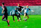 Último treino do Inter antes da decisão tem apoio da torcida e presença de Carlos Robinson Estrasulas / Agência RBS/Agência RBS