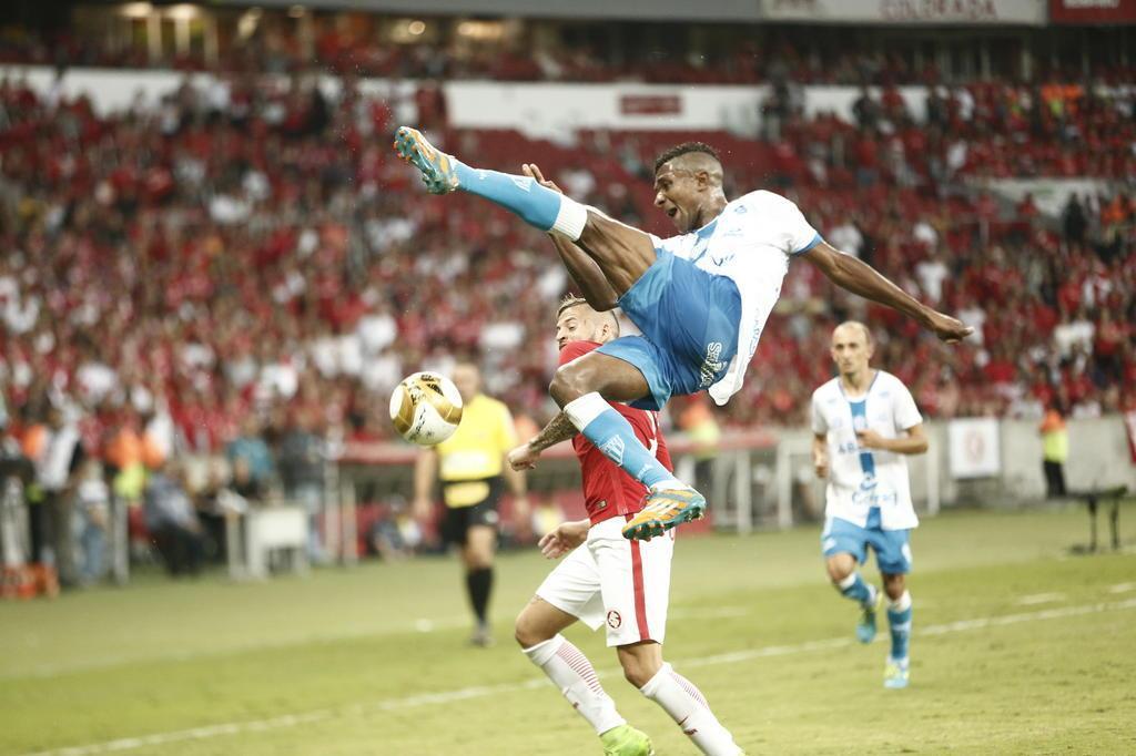O Noia não se assustou com o Beira-Rio, e o Inter foi um com Anselmo e outro sem ele