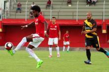 O jovem atacante baiano que está ganhando espaço nos treinos do Inter Mirela Putrich/Inter / Divulgação/Divulgação