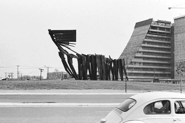Exposição no Margs apresenta lugares emblemáticos de Porto Alegre no começo dos anos 1980 Flávo Wild/WildStudio