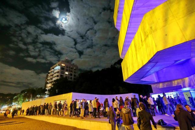 Linha Turismo de Porto Alegre circulará com valor especial durante a Noite dos Museus Júlio Cordeiro/Agencia RBS