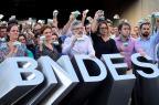 Funcionários do BNDES fazem ato em apoio a colegas levados pela PF WILTON JUNIOR/ESTADAO CONTEUDO