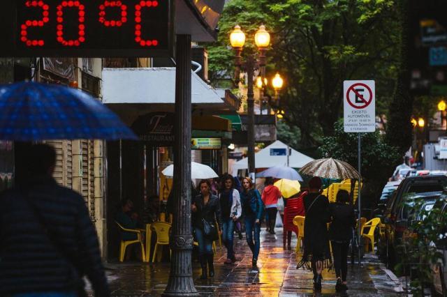 Municípios gaúchos registram grandes volumes de chuva e vento de até 87 km/h Omar Freitas/Agencia RBS