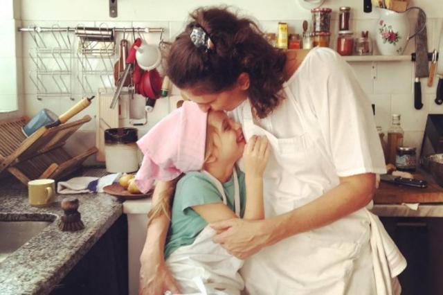 """Jurada do """"MasterChef"""" Paola Carosella fala sobre ser mãe sem culpa Reprodução/Instagram"""