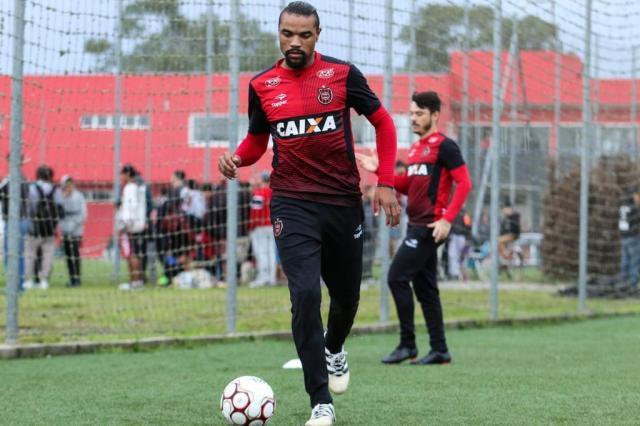 Com Wagner, Brasil-Pel tenta primeira vitória na Série B Jonathan Silva/Brasil-Pel