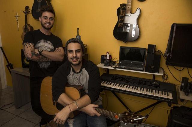 VÍDEO: Com 18 shows por mês, jovem dupla sertaneja chama atenção no Vale do Sinos Anderson Fetter/Agencia RBS