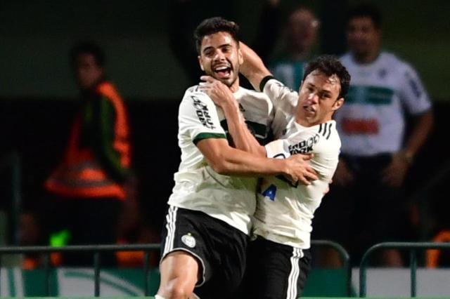 Estreante se destaca, e Coritiba goleia o Atlético-GO pela primeira rodada do Brasileirão JASON SILVA/AGIF/ESTADÃO CONTEÚDO