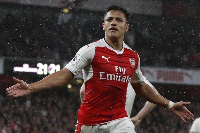 Arsenal vence o Sunderland com dois gols deAlexis Sánchez Adrian Dennis/AFP