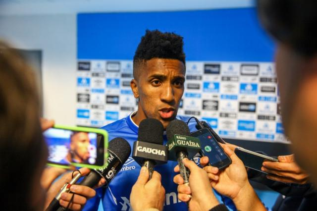 """Cortez fala sobre titularidade no Grêmio: """"Vou pensar jogo a jogo"""" Lucas Uebel / Divulgação Grêmio/Divulgação Grêmio"""