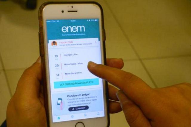 Aplicativo do Enem 2017 feito pelo MEC é disponibilizado para download Marcello Casal Jr/Agência Brasil