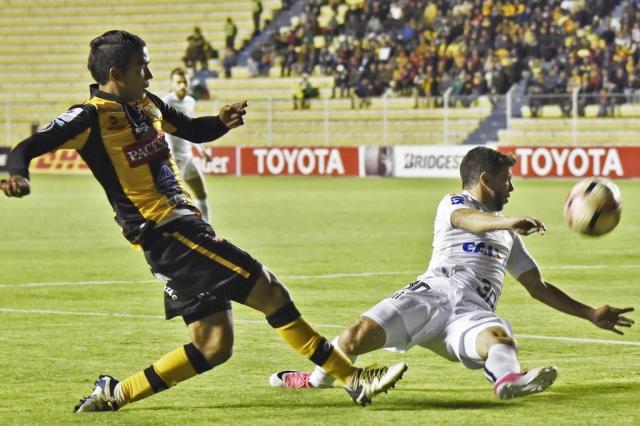 Santos empata com oThe Strongest e avança às oitavas da Libertadores AIZAR RALDES/AFP
