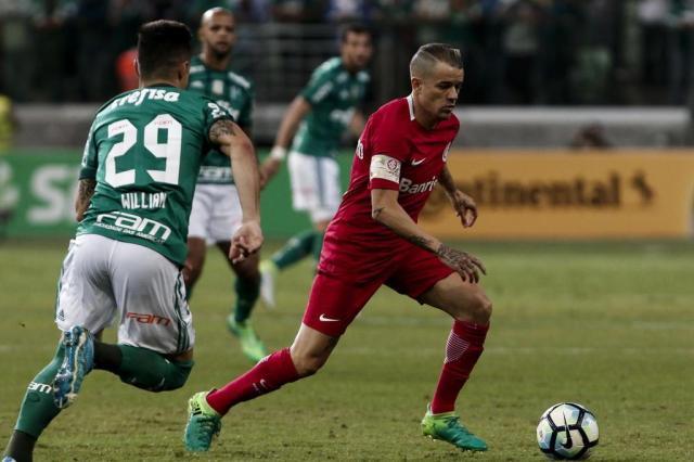 """""""É muito melhor do que muito time da Primeira Divisão"""", diz Felipe Melo sobre o Inter Miguel SCHINCARIOL/Agência Lancepress"""