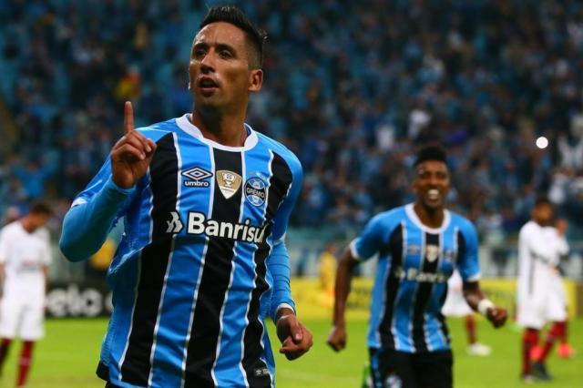 Lucas Barrios consolida fama de goleador e tem a aprovação de centroavantes históricos do Grêmio Lauro Alves/Agencia RBS