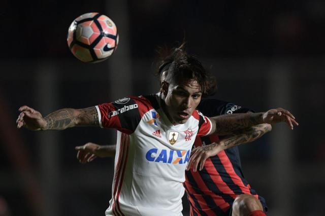 Flamengo sofre virada e é novamente eliminado na fase de grupos da Libertadores JUAN MABROMATA/AFP
