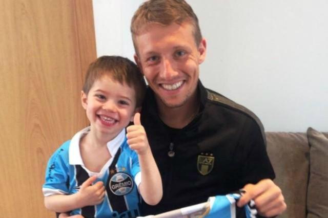 Os três fatores que dificultam a contratação de Lucas Leiva pelo Grêmio Reprodução/Instagram/