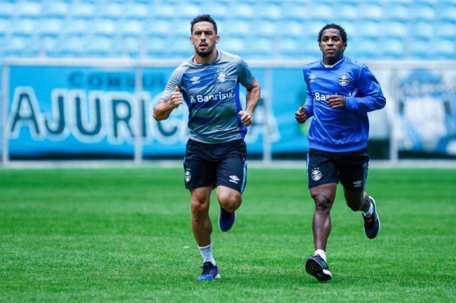 Em recuperação, Edílson e Miller Bolaños são atrações em treino físico do Grêmio Lucas Uebel / Divulgação Grêmio/Divulgação Grêmio