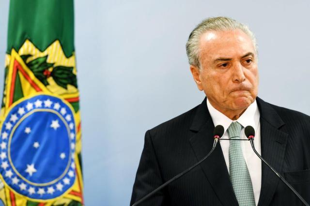 Confira quem são os autores dos pedidos de impeachment contra Temer evaristo sá/AFP