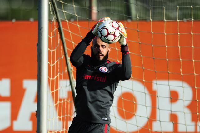 Flamengo faz sondagem por dois goleiros do Inter