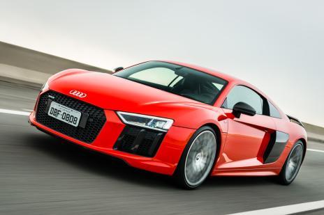 Audi R8 Coupé V10 Plus, das pistas de corridas para as ruas e estradas (Audi, DV/)