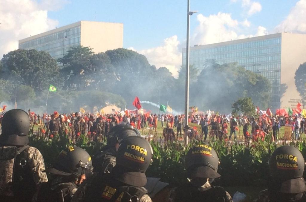 Incendiar prédios não é protesto, é vandalismo