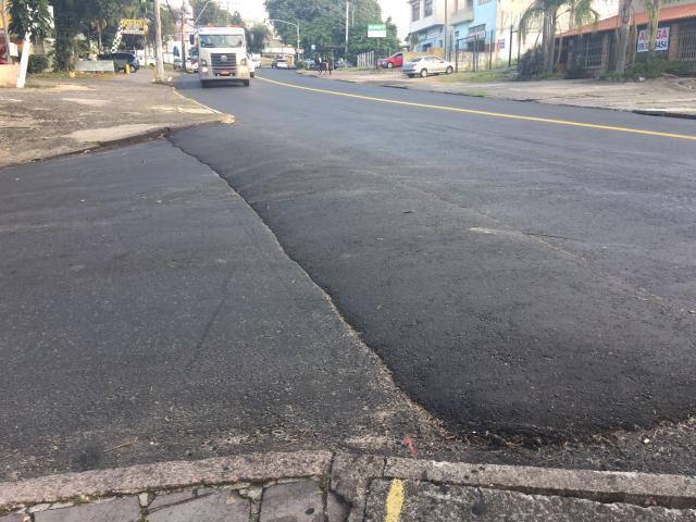 Motoristas reclamam de altura de quebra-mola em esquina na zona leste de Porto Alegre Marina Pagno / Agência RBS/Agência RBS