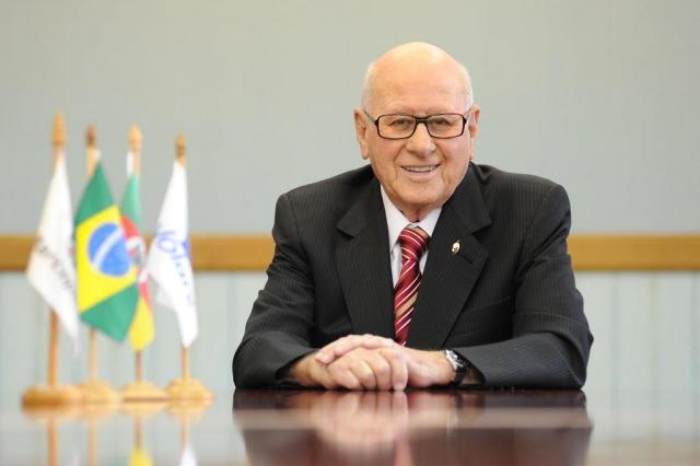 Morre Paulo Bellini, presidente emérito da Marcopolo, de Caxias Júlio Soares/divulgação