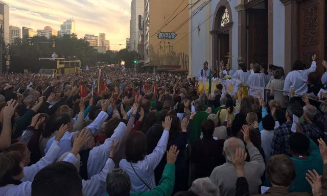 Celebração de Corpus Christi movimenta fiéis em Porto Alegre Francine Silva/Agencia RBS