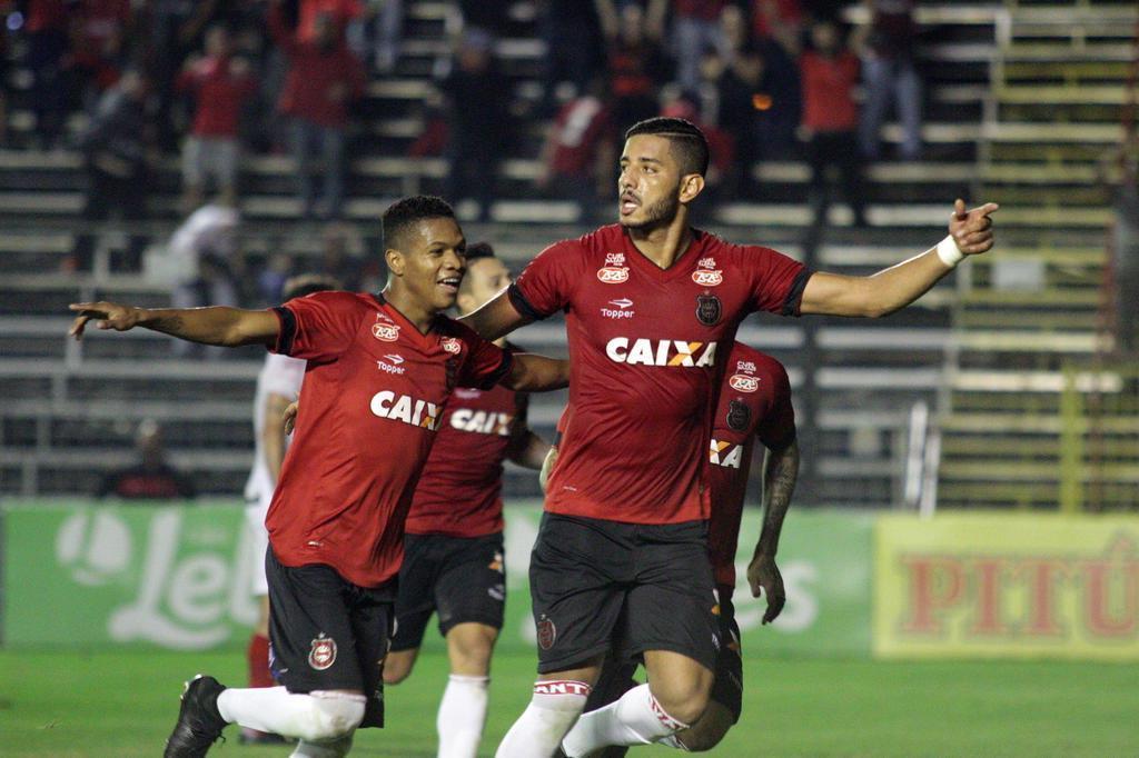 Brasil-Pel vence o Vila Nova por 3 a 0 no Bento Freitas