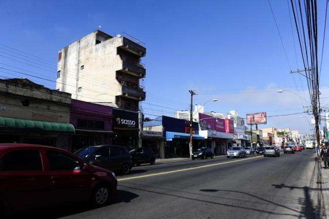 O contraste do efeito da crise nas ruas de comércio de Porto Alegre Ronaldo Bernardi/Agencia RBS