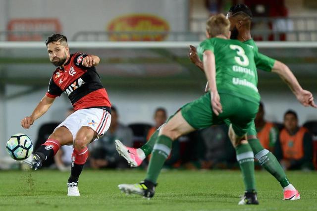 Poupado, Diego desfalca o Flamengo contra o Coritiba Pedro Martins/Mowa Press