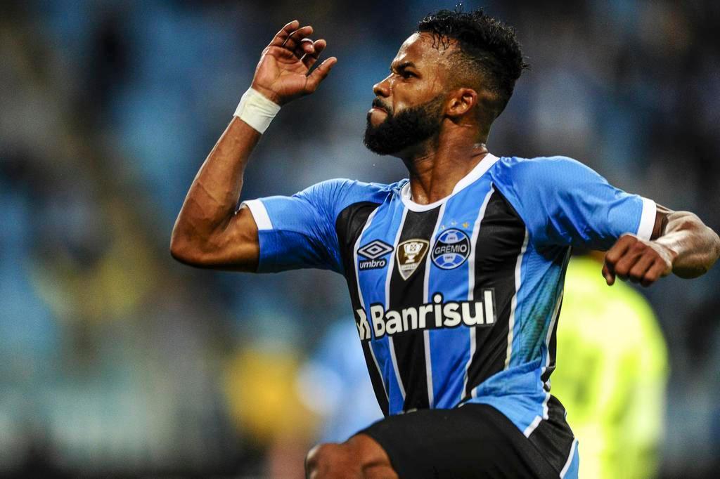 Vitória e Grêmio: mando de campo costuma ser decisivo na partida Félix Zucco/Agencia RBS