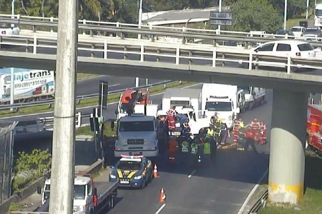 Trânsito é liberado após acidente na BR-290, na saída de Porto Alegre PRF/Divulgação