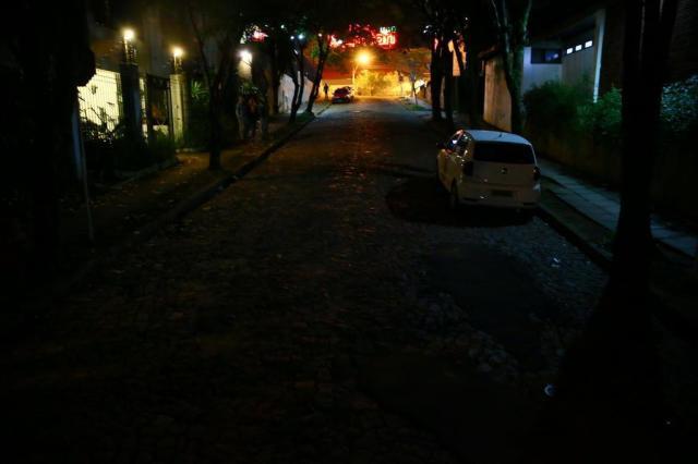 Após publicação de reportagem, prefeitura faz consertos de iluminação pública Lauro Alves/Agencia RBS
