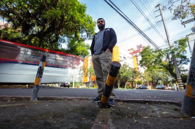 Preocupado com acidentes em cruzamento de Porto Alegre, morador elabora estatística informal Omar Freitas/Agencia RBS