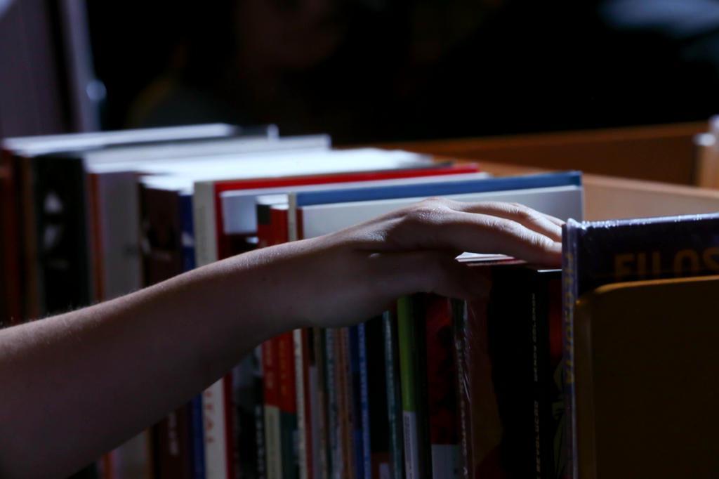 Preço fixo para livros ganha parecer favorável no Senado Charles Guerra/Agencia RBS