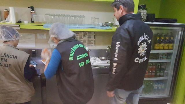 Restaurante japonês é interditado no centro de Porto Alegre Polícia Civil /Divulgação