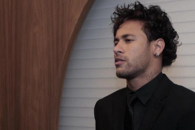 Segundo jornal espanhol, Neymar estava isolado em voo do Barcelona Instagram/Reprodução