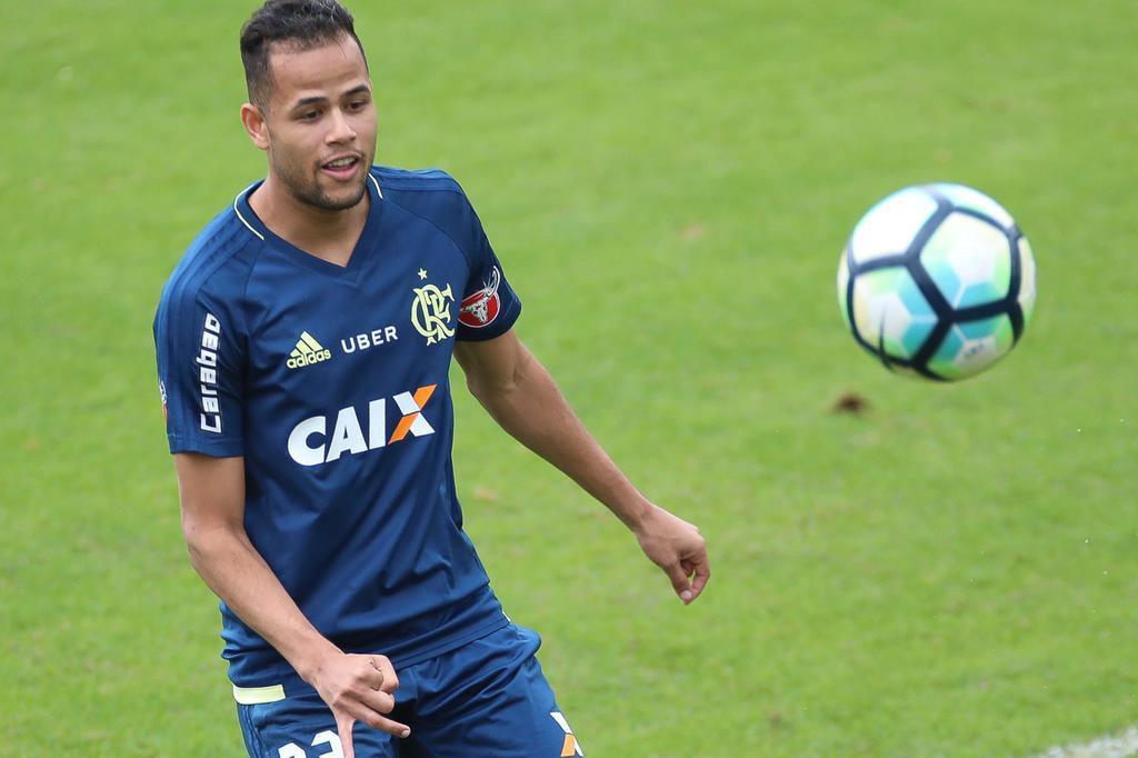 Reforço do Flamengo, Geuvânio não aparece no BID e tem estreia adiada