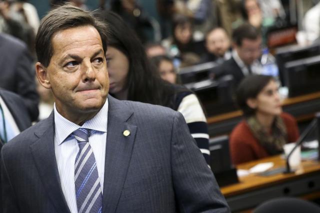 Após parecer contra Temer, Zveiter perde vice-liderança do PMDB na Câmara Marcelo Camargo/Agência Brasil