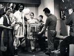 Em 1958, durante a temporada que passou em Paris, Paixão (de chapéu) e Zé Gomes (E) participaram de programa na televisão francesa