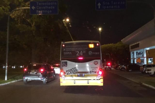 Saída de Porto Alegre pela Terceira Perimetral tem lentidão. Acompanhe Marina Pagno/Agencia RBS