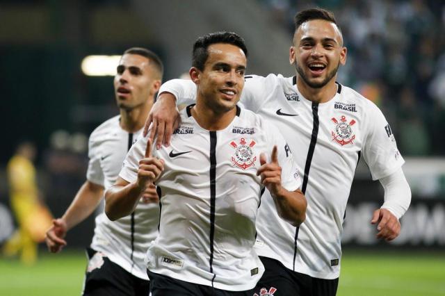 Participação, eficiência e experiência: o que o Corinthians perde sem Jadson MARCO GALVÃO/FOTOARENA/FOTOARENA/ESTADÃO CONTEÚDO