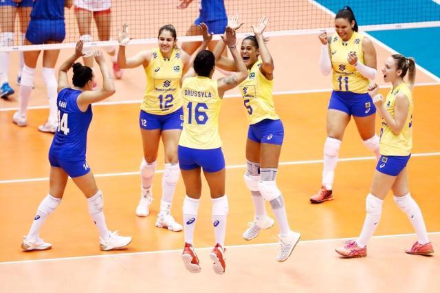 Seleção brasileira vence a Sérvia por 3 sets a 0 na abertura da segunda semana do Grand Prix FIVB/Divulgação
