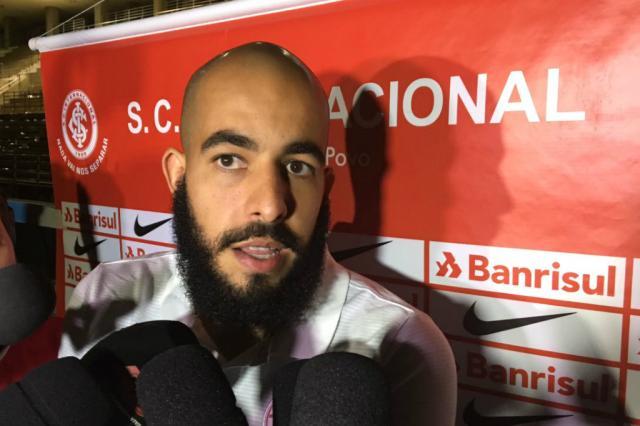 """""""Está na hora de tomar conta do campeonato, já passou da hora"""", diz Danilo Fernandes Leonardo Acosta/Agência RBS/"""